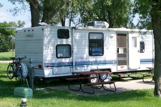 THAT'S what I'm talking 'bout! Lehman's Lakeside RV Resort in Marengo, Illinois is a passable place for a commercial campsite, if horrendously expensive.