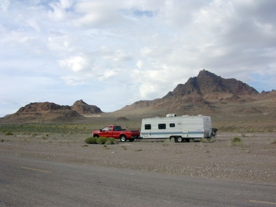 Somehow, I feel a duty to show where the camper is in relation to what's around it. Decent folk would leave out the camper and focus on the scenery. I guess this is my proof that I'm really here, and this photo wasn't cribbed from some travel site on the Internet.