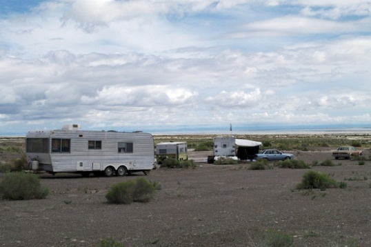 One more truly ancient travel trailer makes the total at this site four rigs.