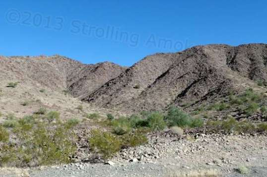The hills all around Quartzsite appear to be made up of rubble! Piles of rocks, sand and gravel.