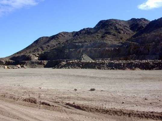 A sort of quarry area at the south end provides a generous turnaround area.