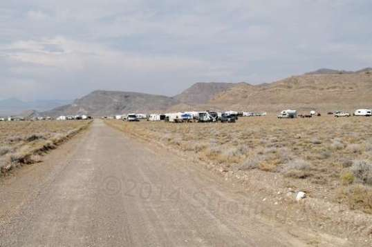 Starting toward town shows a bit of the main glut of racers camped around the area I was initially in after arriving.