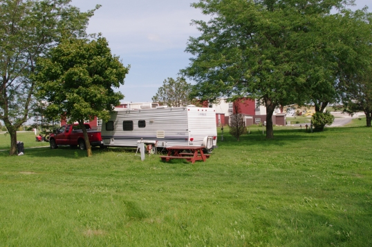 From this angle, the festive Econo Lodge is in the background, and a riding lawnmower to the left, looking a little intimidated.