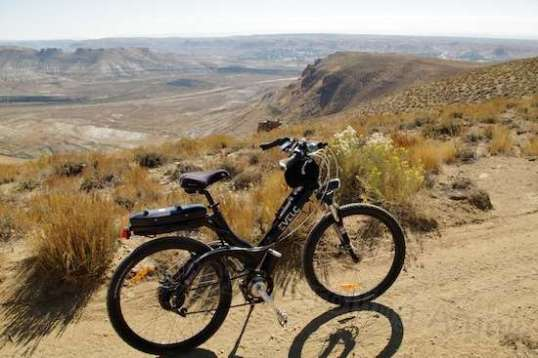 High over Green River, Wyoming are loose strings of trails that are great to explore on a suitable bike.