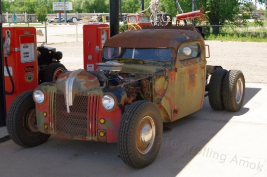 "This style of hobby is called ""rat rods"", I suppose since the looking ratty part is fully intentional. In fact, it's helped along."